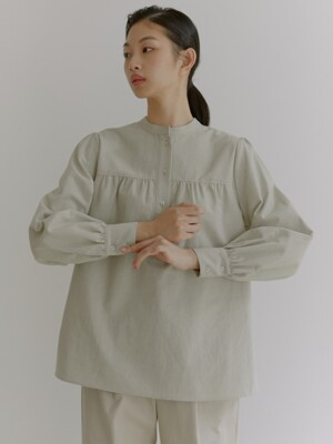 20W HENLY NECK COTTON SHIRRING BLOUSE (ASH BEIGE)