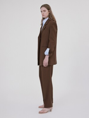 PLEATED TROUSERS (BROWN)