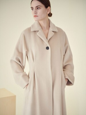 F.BOX PLEATED COAT_IVORY