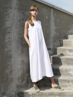 Sleeveless maxi one-piece_White