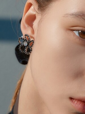 JET STONE FLOWER EARRINGS