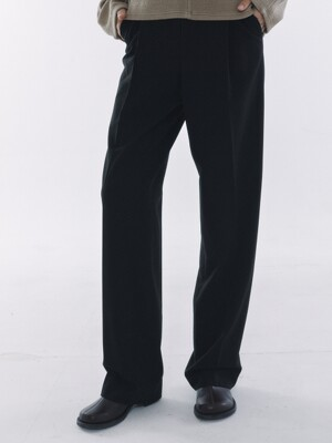 One Tuck Pleats Slacks Black