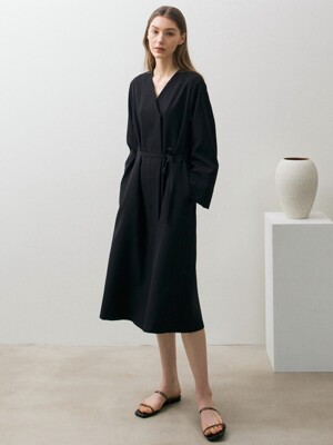 Minimal Robe Dress - Black