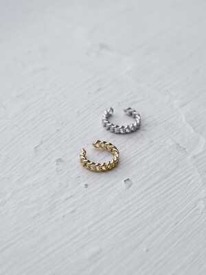 Connection ring earcuff