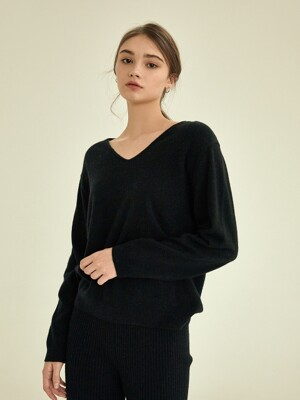 Bright v-neck wool knit [black]