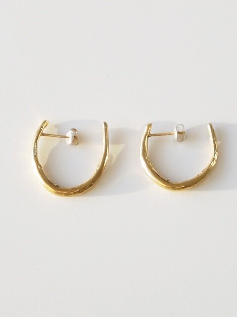 U bone earring - gold
