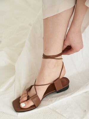 city lace up sandal - brown