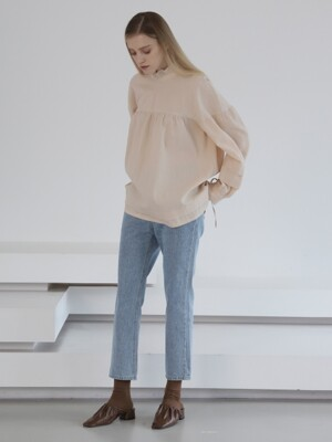 VOLUME RIBBON BLOUSE BEIGE