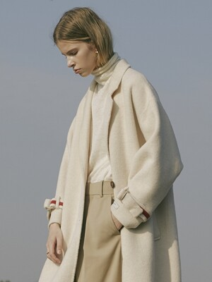 Premium handmade alpaca buckle sleeve coat [CREAM]
