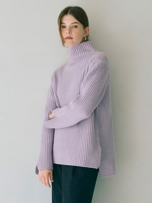 Oversized Bulky Turtleneck in Lavender