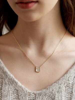 [14k gold filled] Nacre Mignon Cubic Square Necklace_NZ1135