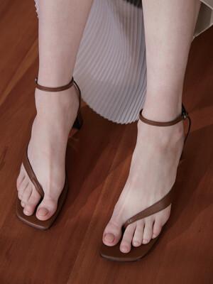 OBLIQUE LINE SANDAL - BROWN