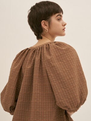 Volume Check Blouse - Camel