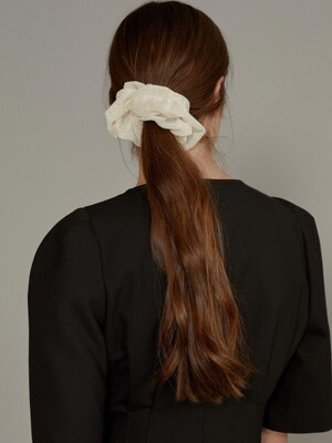 Bloom Velvet Scrunchie [IVORY] JYJE0D900IV