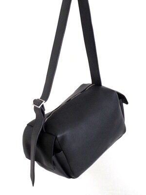 BREAD BAG L (ALL BLACK)