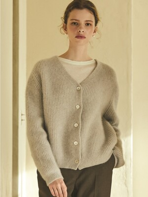 raccoon cardigan (light gray)