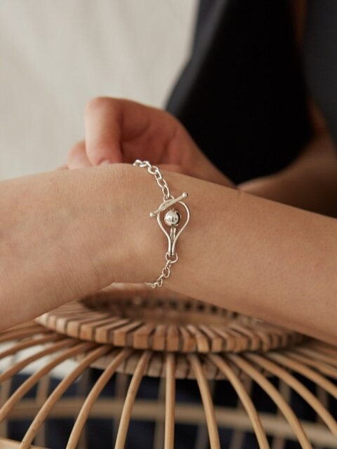 flower bud chain bracelet