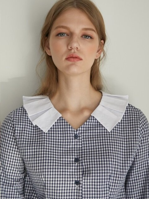 monts770 pleats collar check blouse (navy)
