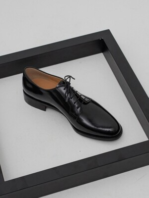 PLAIN TOE DERBY PATENT (블랙유광)