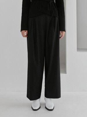TWO TUCK WIDE LEG PANTS WOMEN [BLACK]