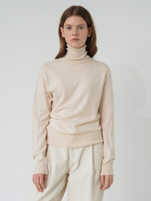 modern wool turtle-neck knit (ivory)