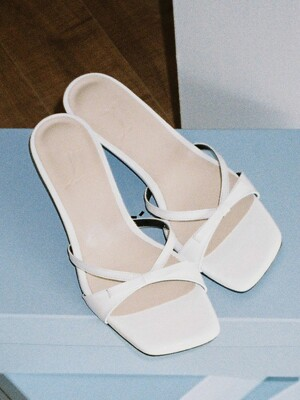 Y.01 Jane candy kitten mules / YY20S-S44 White