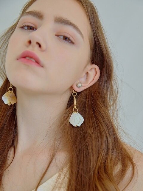 Snowball, Clinking Pearl Earrings