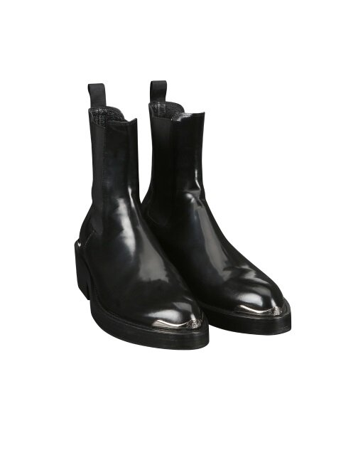 ordinary black ankle boots