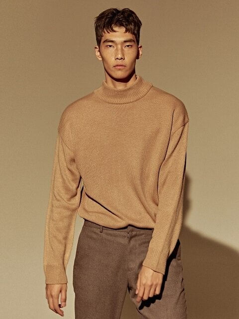 OVER HIGH NECK SWEATER_BEIGE