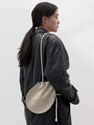 light oval bag iv