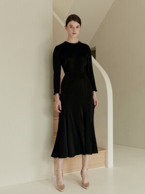 NAOMI Round neck silk dress (Black)