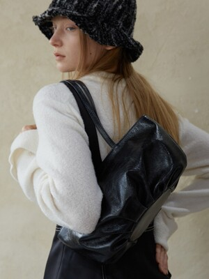 COW LEATHER BUD BAG_PLAIN_BLACK