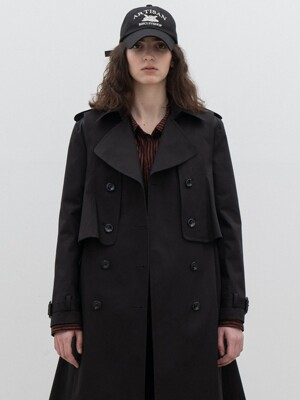 Detachable detailed trench coat