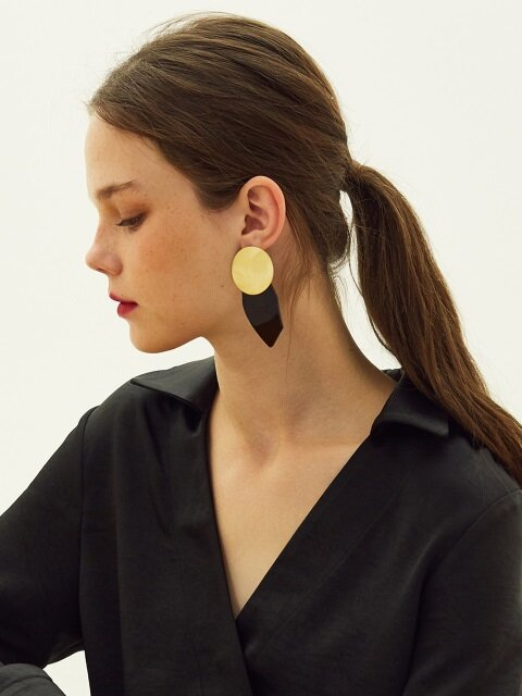 LE CIRCLE EARRINGS (GOLD)