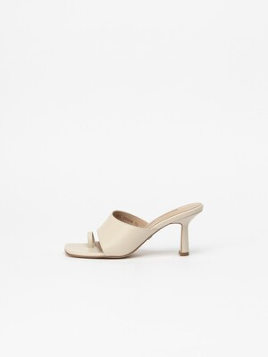 Traff Ring Thong Mules in Ivory