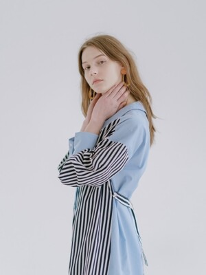 V-NECK STRIPE DRESS BLUE