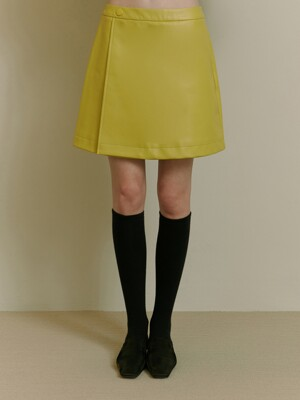 FAKE LEATHER SKIRT [LIGHT GREEN]