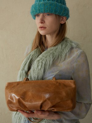 COW LEATHER BUD BAG_PLAIN_CAMEL