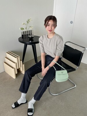 Curved Sleeve Stitch Blouse + Mid-rise Straight Jeans_Raw SET