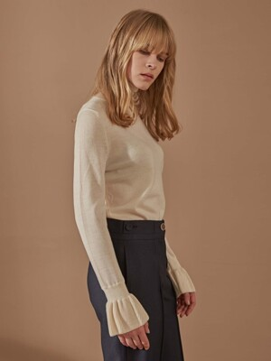 MAGAN_FLARE CUFFS HALF TURTLE NECK PULLOVER (IVORY) by MAG&LOGAN