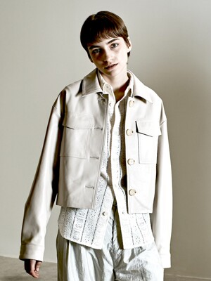 Lamb skin crop pocket jacket Ivory