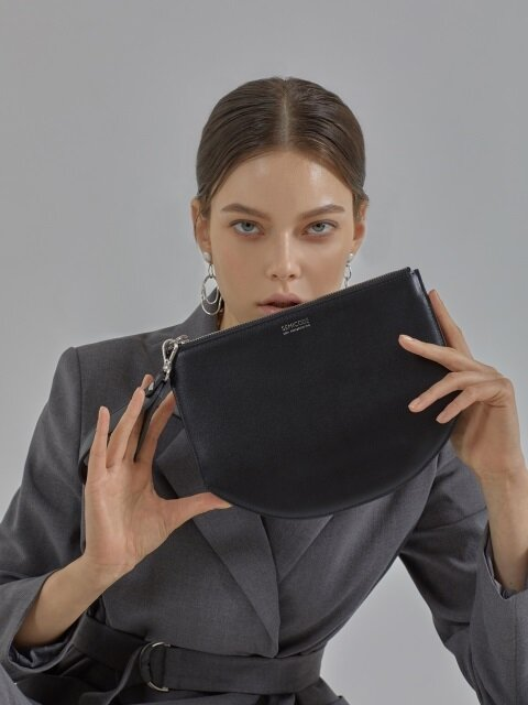 Mono clutch bag - black