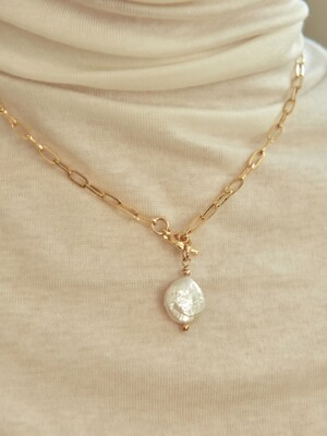 center pearl chain necklace-pearl