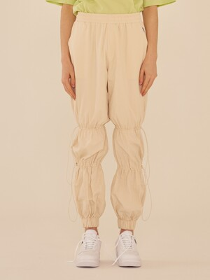 SHIRRING SETUP JOGGER PANTS (IVORY)