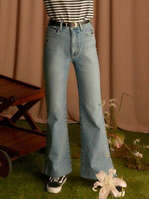 RAIVE X PIPPI Embroidery Slit Jeans in Blue_VJ0SL1380