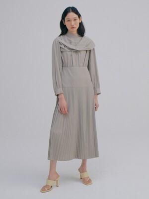 Twist Pleats Dress_Melange Brown