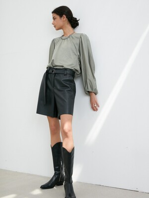 ECO LEATHER BELTED SHORTS in Black [U0W0P312/99]