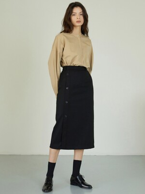 AE_Button Long Skirt_BK
