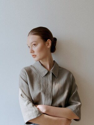 [EXCLUSIVE] linen half shirt (khaki)