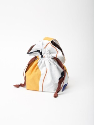 Line and shape mini string bag